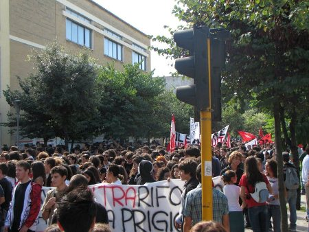 corteo studenti università