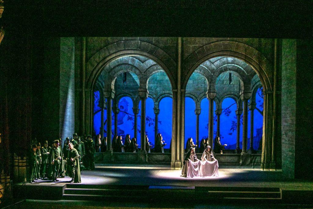 Petruzzelli: l'intramontabile bellezza del Trovatore