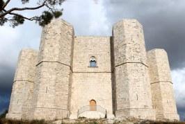 I numeri e i segreti di Castel del Monte