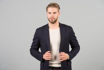 T-shirt uomo, come indossarla anche sotto la giacca